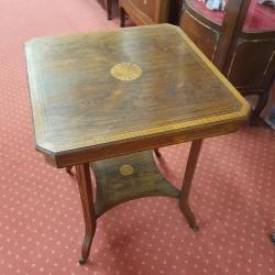 Petite table ornement du XIXème