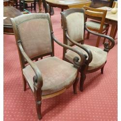 Paire de fauteuils vers 1830