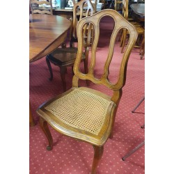 5 chaises cannées